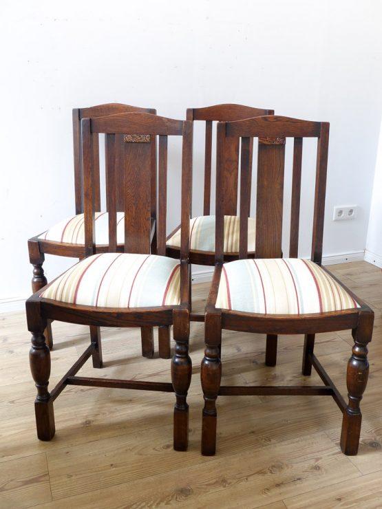 Satz von vier antiken Stühlen