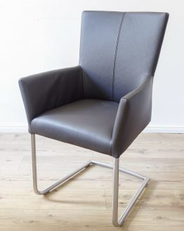 Freischwinger Sessel braun